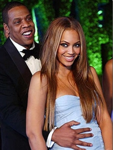 Cặp vợ chồng hạnh phúc Beyonce - Jay Z. Ảnh: llh4.gght. http://journeypod.ning.com/group/celebritysightings/forum/topics/beyonce-and-jayz-dining-at